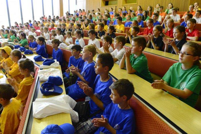 Ilustračný obrázok k článku Prednáškové miestnosti UMB zaplnia mladí školáci. Detská univerzita oslávi v Bystrici jubileum