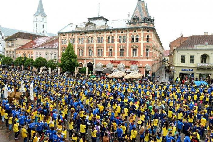 Ilustračný obrázok k článku Košičania chcú prekonať vlastný rekord: Tisíce ľudí zatancujú na Hlavnej štvorylku