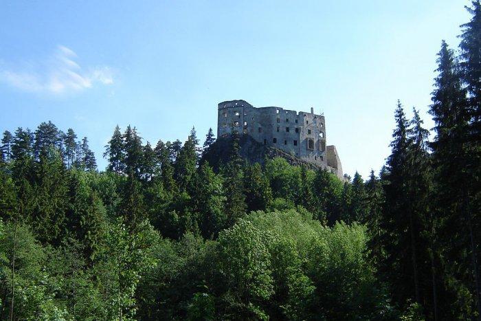 Ilustračný obrázok k článku Likavský hrad je opradený legendami, baštu mali postaviť z vajec a vína