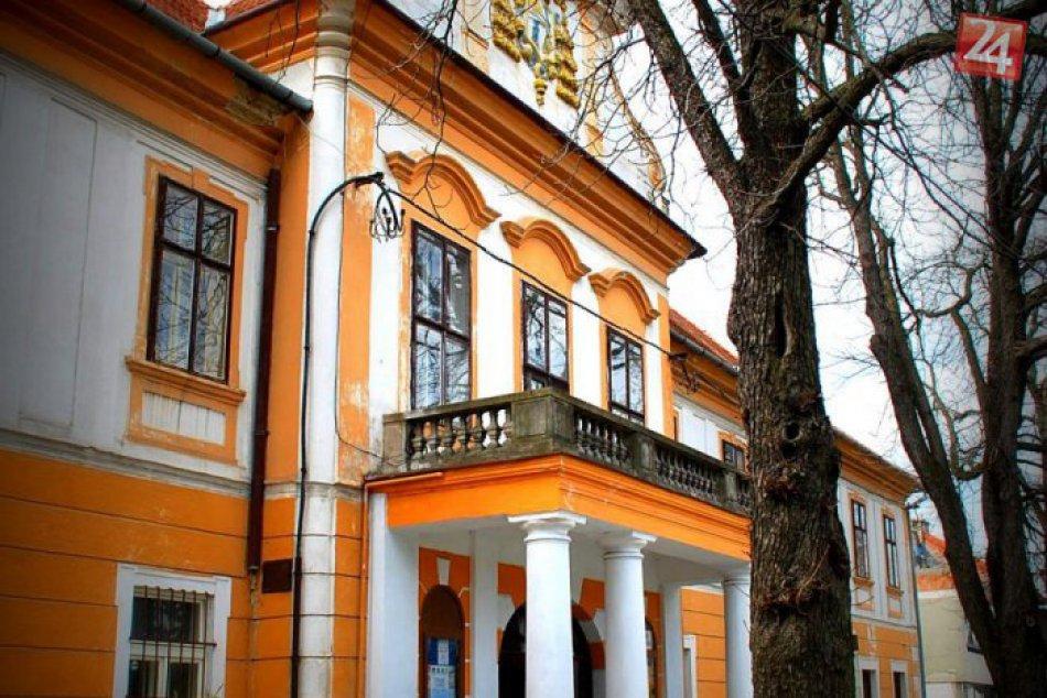 Ilustračný obrázok k článku Unikátny pamätný stĺp: Zlatomoravecké múzeum získalo nový exponát, FOTO