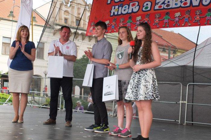 Ilustračný obrázok k článku Mladí ľudia, ktorí si rozhodne zaslúžia palec hore: Zoznámte sa s novými Hviezdami Prešova!