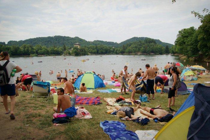 Ilustračný obrázok k článku Obľúbené jazerá a nádrže v Banskobystrickom kraji? Týmto dali hygienici zelenú na kúpanie
