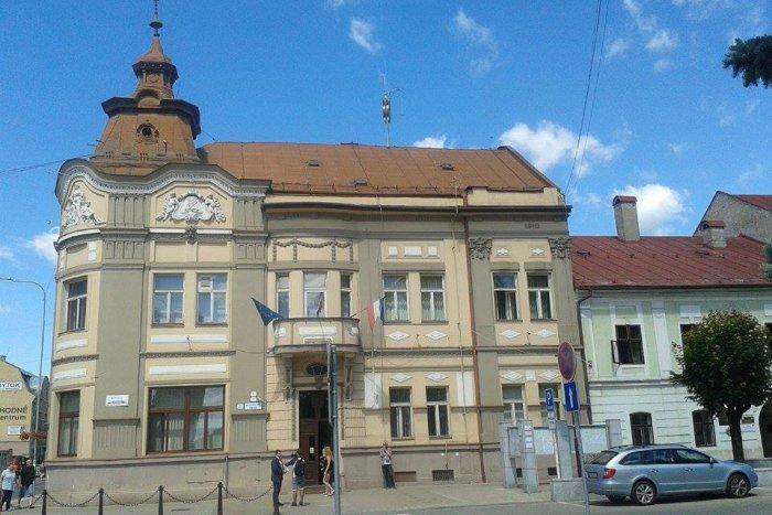 Ilustračný obrázok k článku Radnica v Brezne otvorila klientske centrum: Pozor na prísne opatrenia