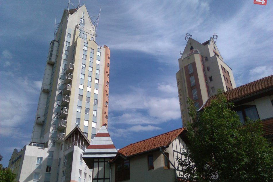 Ilustračný obrázok k článku FOTO: Aj Lučenec má svoje dominanty. Čím zaujmú 3 najvyššie budovy mesta?
