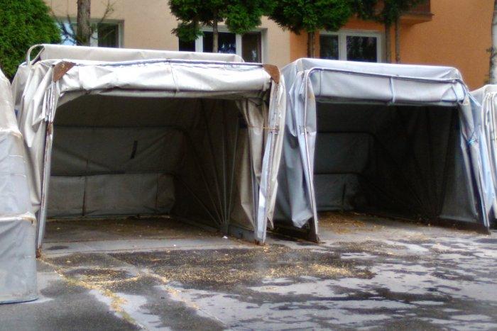 Ilustračný obrázok k článku FOTO: Mobilné garáže v Lučenci: Zmiznú nadobro z ulíc mesta?