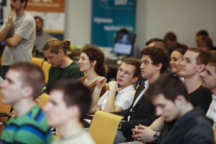 Ilustračný obrázok k článku Unikátne podujatie: V Bystrici sa stretli mladí akademici a odborníci z krajín V4