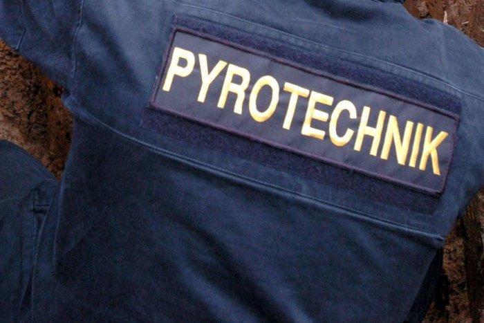 Ilustračný obrázok k článku Nebezpečné nálezy pri Nových Zámkoch: Na miesto hneď mieril pyrotechnik, FOTO