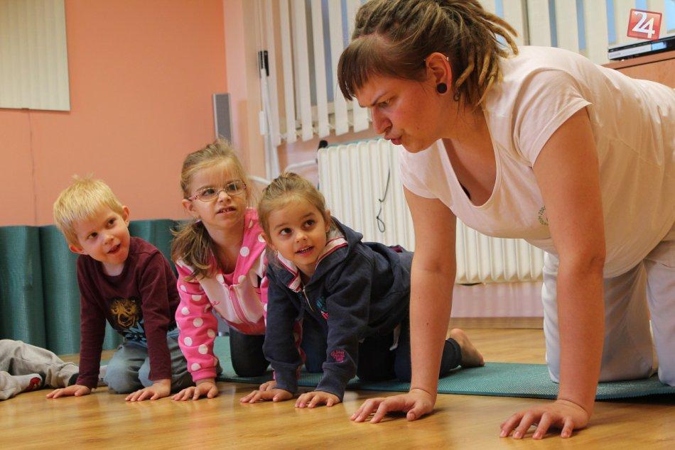 Ilustračný obrázok k článku Fyzioterapeutka Janka z Centrum Hlohovec radí rodičom: Spôsoby, ako predísť plochým nôžkam svojich detí