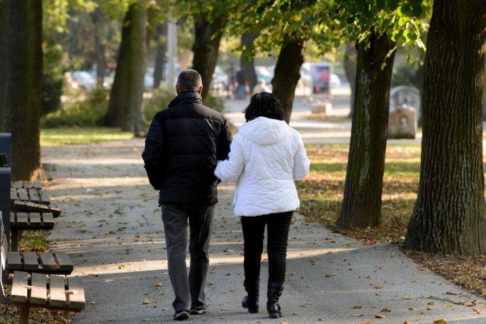 Ilustračný obrázok k článku Nové fakty o ľuďoch žijúcich v breznianskom okrese. Dobré aj zlé správy v kocke