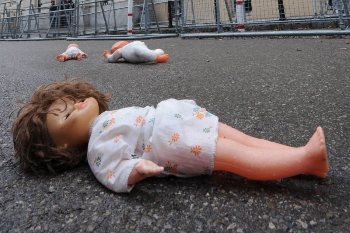 Ilustračný obrázok k článku Sexuálne zneužívanie detí je neviditeľný zločin. Prečo je téma pre spoločnosť tabu?