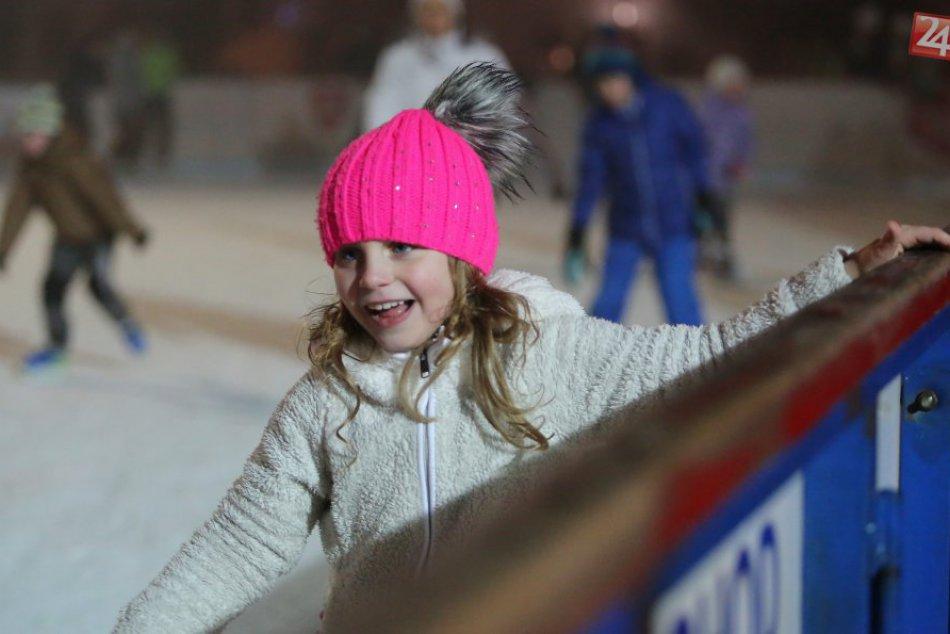 Ilustračný obrázok k článku Popradčania milujú korčuľovanie: Štadión nestíha, mesto chystá nové plochy