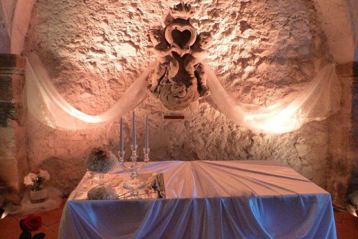 Ilustračný obrázok k článku Svadba v historickej kočiarni: Nevšedné miesto v Kremnici sa teší obľube, FOTO