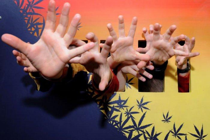 Ilustračný obrázok k článku Nástrahy dnešnej doby: Drogy lákajú i deti zo základných škôl!