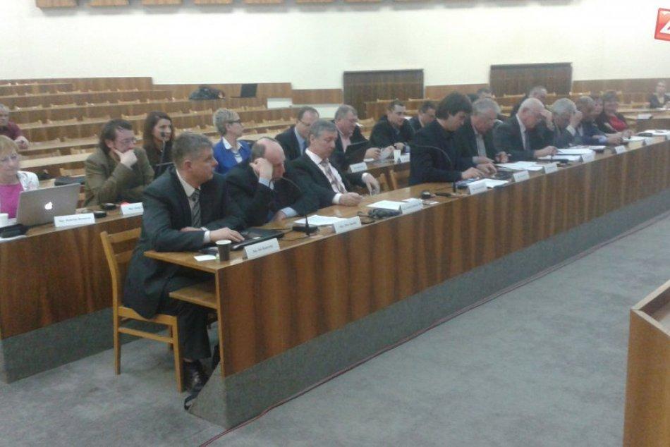 Ilustračný obrázok k článku Poslanci prijali dôležitý dokument: Doprava v Považskej by sa mohla zlepšiť!
