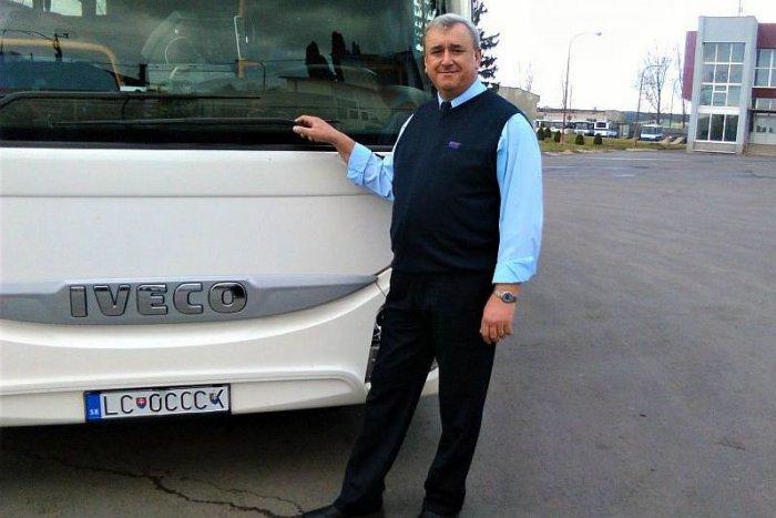 Ilustračný obrázok k článku FOTO: Ostrieľaný šofér z lučeneckého autobusu. V pamäti má veselé i divoké chvíle
