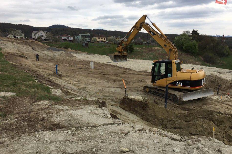 Ilustračný obrázok k článku Nové stavebné pozemky v Slaskej už na predaj: Máme aktuálne info z miesta!