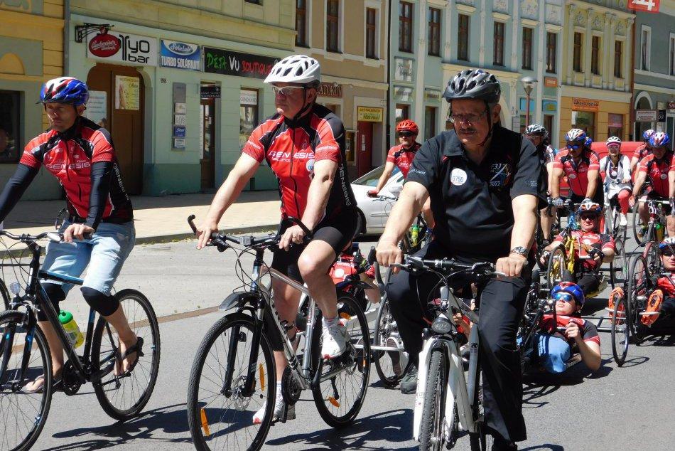 Ilustračný obrázok k článku Cyklopelotón pomoci: Zo Spišskej odštartoval jubilejný ročník Parasport 24 Tour