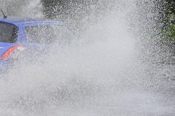 Ilustračný obrázok k článku A je to tu! Meteorológovia varujú ružomberský okres pred lejakom, pozrite časy!