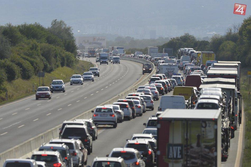 Ilustračný obrázok k článku Podľa odborníka čakajú vodičov najväčšie problémy počas rozšírenia D1 pri Bratislave