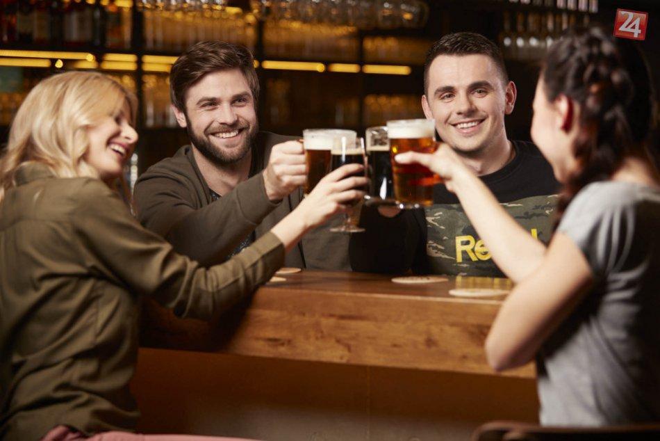 Ilustračný obrázok k článku Dnes je Medzinárodný deň piva! Inšpirujte sa tipmi, ako ho osláviť s priateľmi