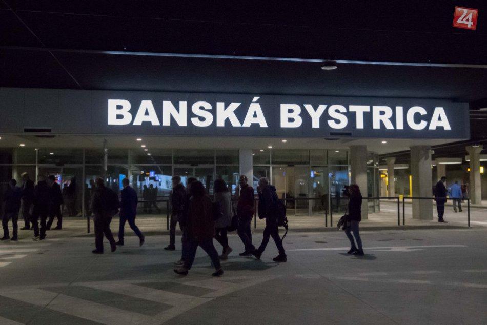 Ilustračný obrázok k článku Bystricu zaplavili letáky o zatvorení autobusovej stanice. Mesto zvažuje právne kroky