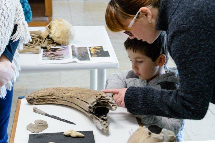 Ilustračný obrázok k článku V Považskej ukážu vzácne archeologické nálezy: Prispel aj hrad Bystrica