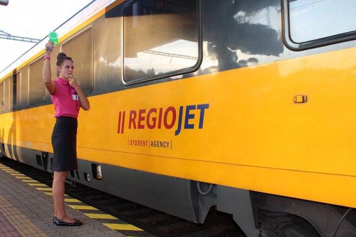 Ilustračný obrázok k článku RegioJet prichádza s novinkou: Žltými vlakmi sa bude dať cestovať už aj z Humenného!