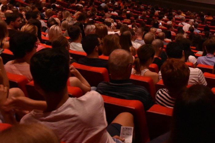 Ilustračný obrázok k článku Víkend klope na dvere: Aké filmy si budeme môcť užiť v topoľčianskom kine?
