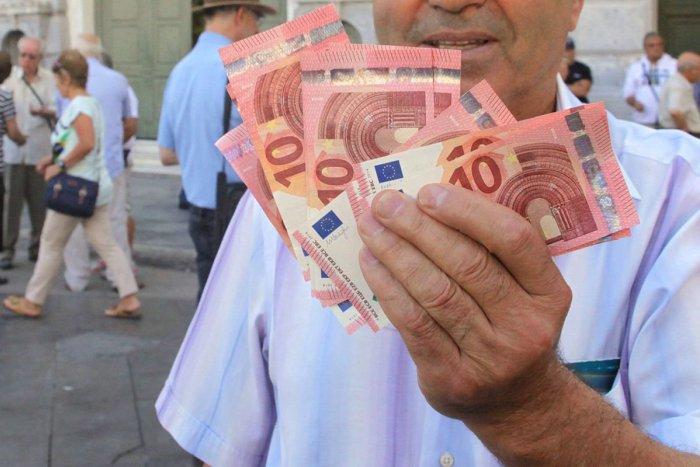 Ilustračný obrázok k článku Viete, koľko zarábame pod Tatrami? Pozrite si tabuľku, či vaše príjmy súhlasia!