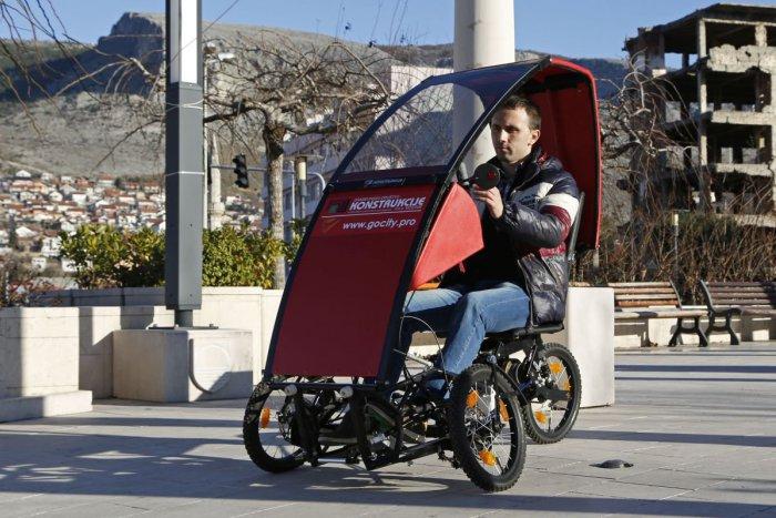Ilustračný obrázok k článku KURIOZITA DŇA: Malý mestský elektromobil môžete zložiť do kufra