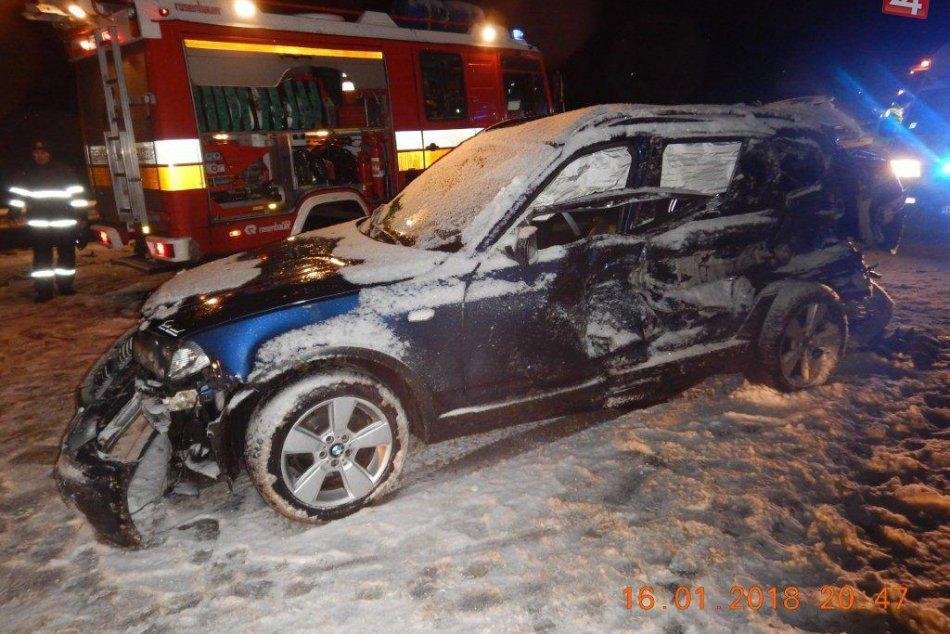 Ilustračný obrázok k článku FOTO z miesta tragédie pri Zvolene. Vodič BMW neprežil zrážku so smetiarskym autom