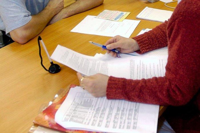 Ilustračný obrázok k článku Byrokratická záťaž na Slovensku: Podnikateľ strávi papierovaním 222 hodín