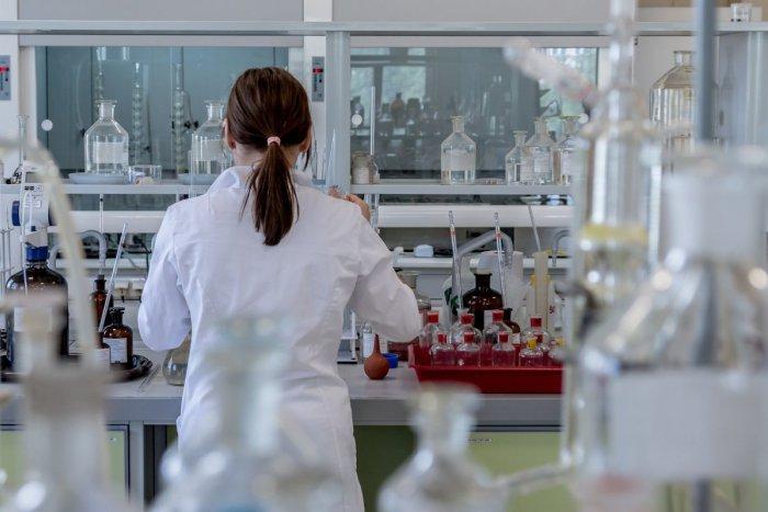 Ilustračný obrázok k článku Českí vedci vyvinuli novú liečbu chronických rán: Pomohla už aj Slovákom