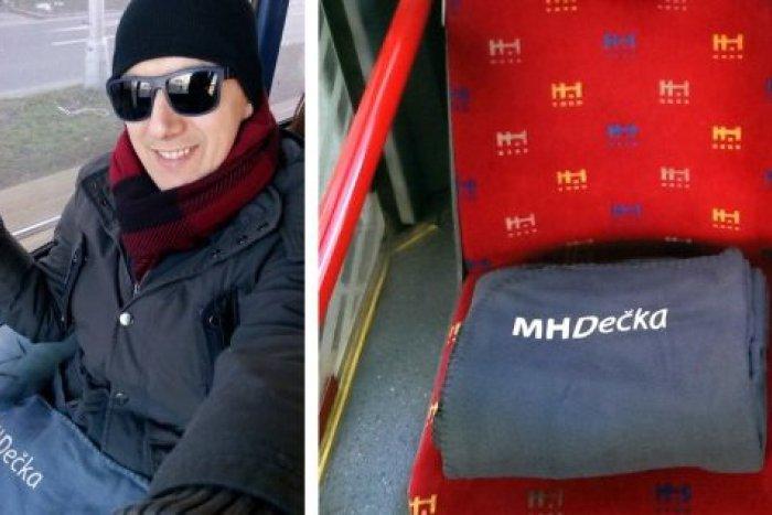Ilustračný obrázok k článku Tajomné deky v bratislavskej MHD: Poznáme dobrodinca, ktorý ich má na svedomí