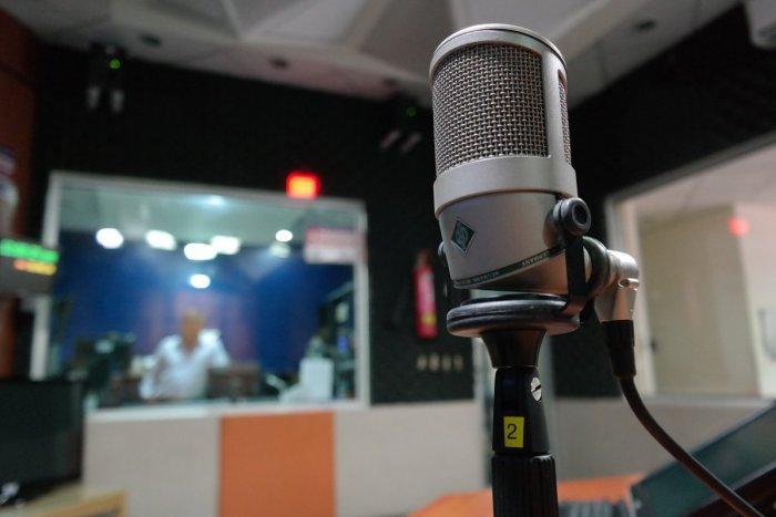 Ilustračný obrázok k článku Rádio zapneme v priemere na dve hodiny denne: Najpočúvanejším je Expres