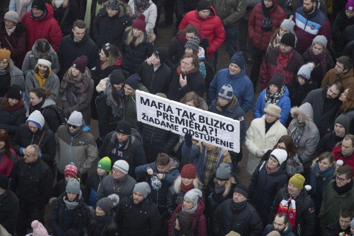 Ilustračný obrázok k článku Bezpečnostné opatrenia na piatkových protestoch: Zákaz dronov, polícia v uliciach