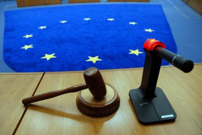 Ilustračný obrázok k článku Súdny dvor EÚ dal za pravdu súkromným poisťovniam: Slovensko sa odvolá
