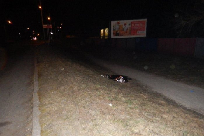 Ilustračný obrázok k článku FOTO z miesta nešťastia. Na ulici vo Zvolene našli mŕtveho muža, pravdepodobne bol zrazený