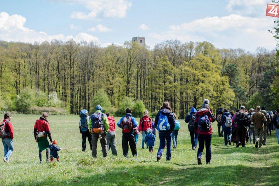 Ilustračný obrázok k článku Púť otvorí sezónu na Katarínke: Cez malebné lesy až k ruinám známeho kostola