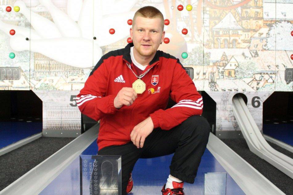 Ilustračný obrázok k článku FOTO: Ohromný úspech Tomáša z Jelšavy. S tímom kolkárov vyhral Ligu majstrov