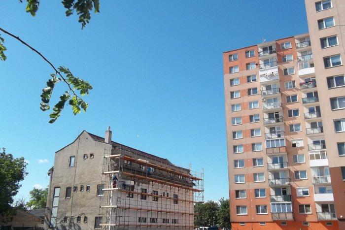 Ilustračný obrázok k článku Obnova verejných budov azariadení bez zadlžovania samospráv: Snovým usmernením Eurostatu sa stáva realitou