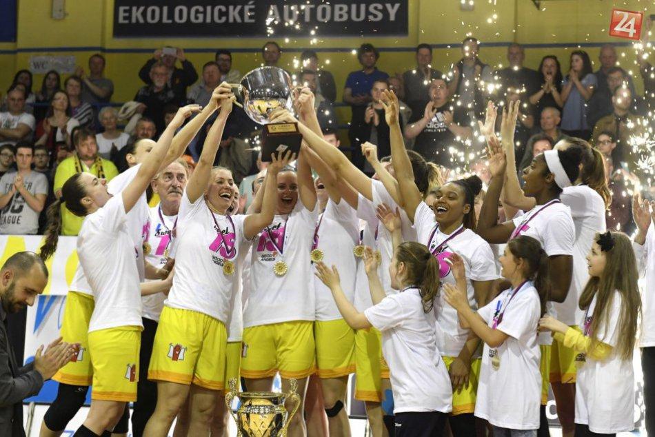 Ilustračný obrázok k článku Radosť prekrytá slzami: Good Angels získali 15. titul, miznú z basketbalovej mapy