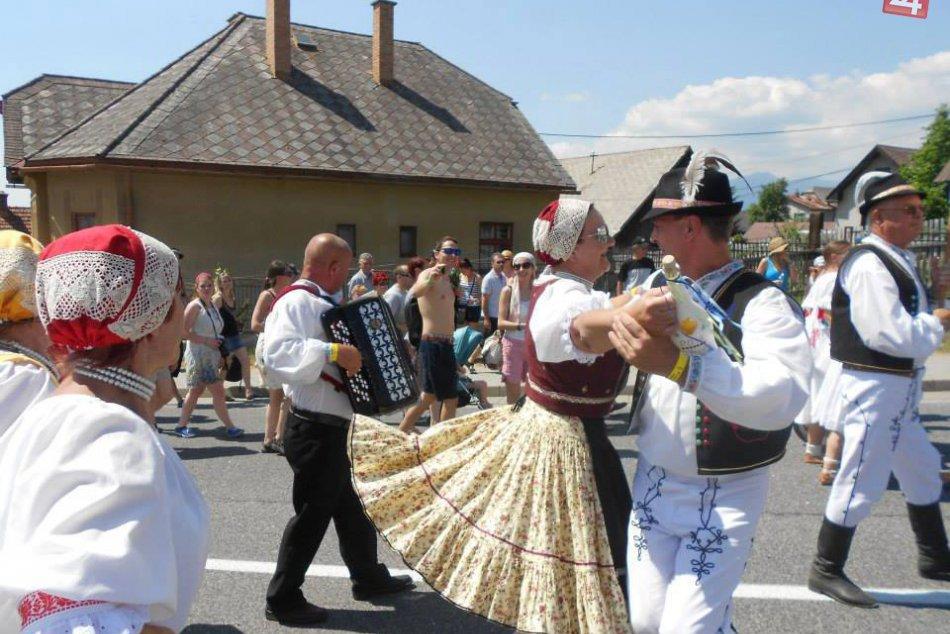 Ilustračný obrázok k článku Zaujímavá folklórna skupina z nášho mesta: Prestavujeme vám Mihaľovski ňevesti i beťare