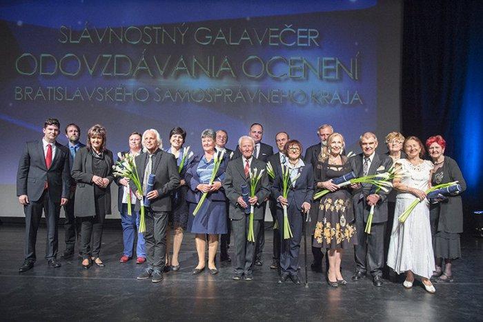 Ilustračný obrázok k článku Každoročne udeľované ocenenia osobností Bratislavského kraja získalo 15 laureátov