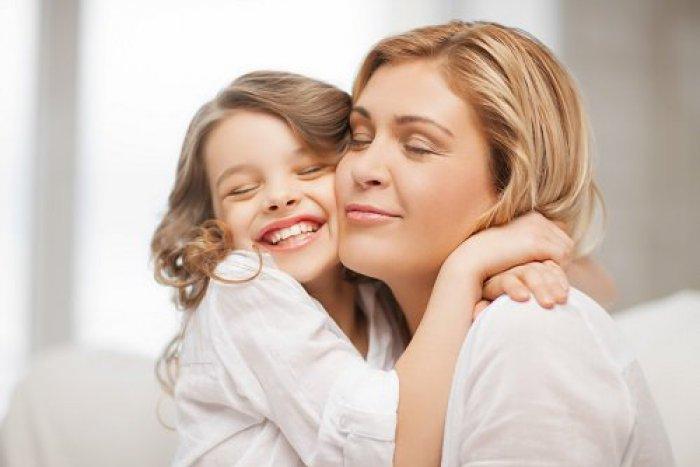 Ilustračný obrázok k článku Už máte darček pre svoju mamu na Deň matiek?  Vďaka našim tipom nešliapnete vedľa!
