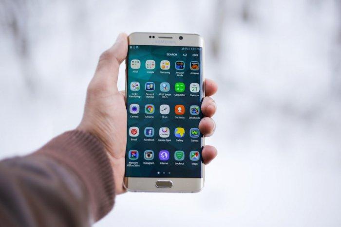 Ilustračný obrázok k článku Mobilná aplikácia pomôže zrakovo znevýhodneným: Zjednoduší im počúvanie kníh