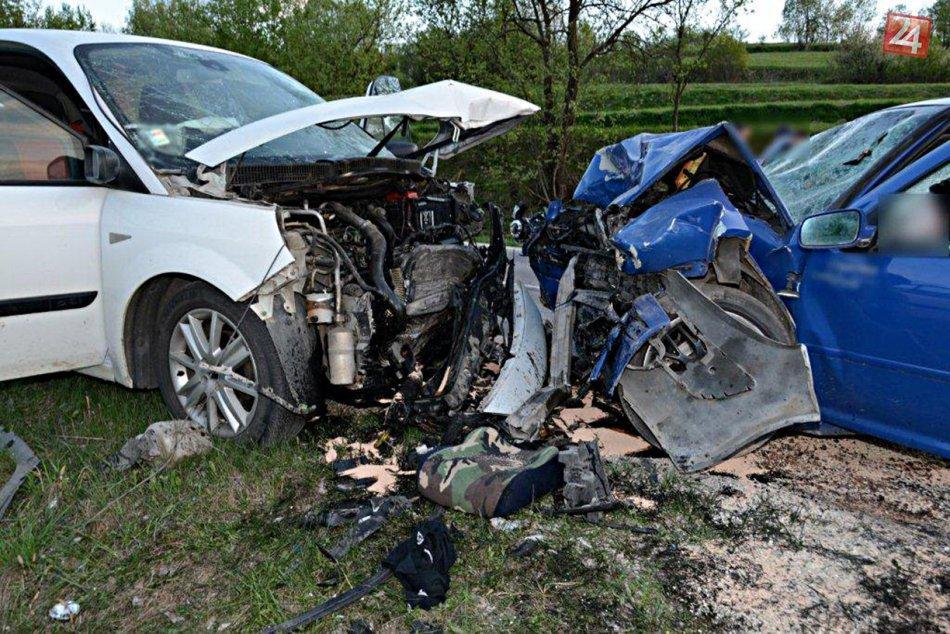 Ilustračný obrázok k článku Nehoda 3 áut neďaleko Zvolena. Hasiči na mieste pomáhali zranenej osobe