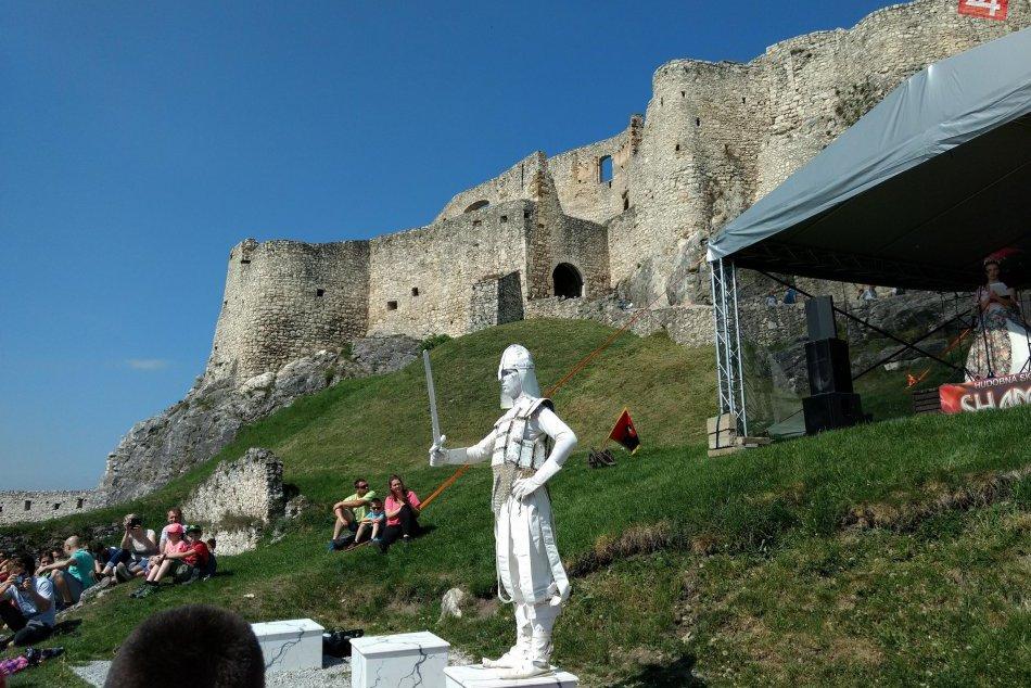 Ilustračný obrázok k článku Leto na Spišskom hrade? Na toto všetko sa môžete tešiť v prvý mesiac prázdnin