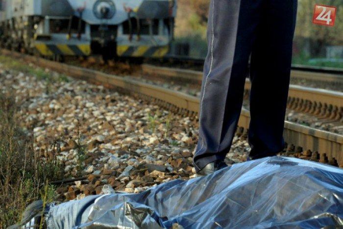 Ilustračný obrázok k článku Nočná tragédia na železničnej trati: Vlak ukončil život mladej ženy (†27)