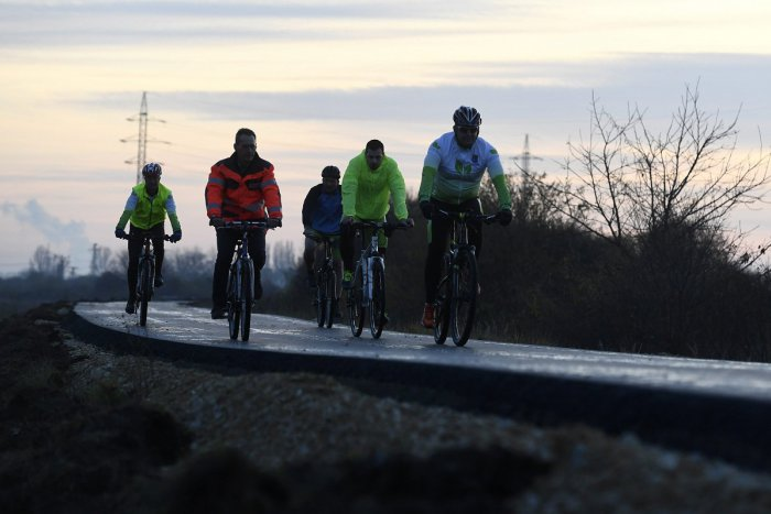 Ilustračný obrázok k článku Nitra bude mať budúci rok nové cyklotrasy: Rozbehnutú výstavbu prerušilo počasie